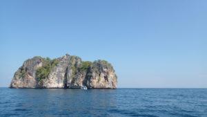 プーケットの海に浮かぶ島