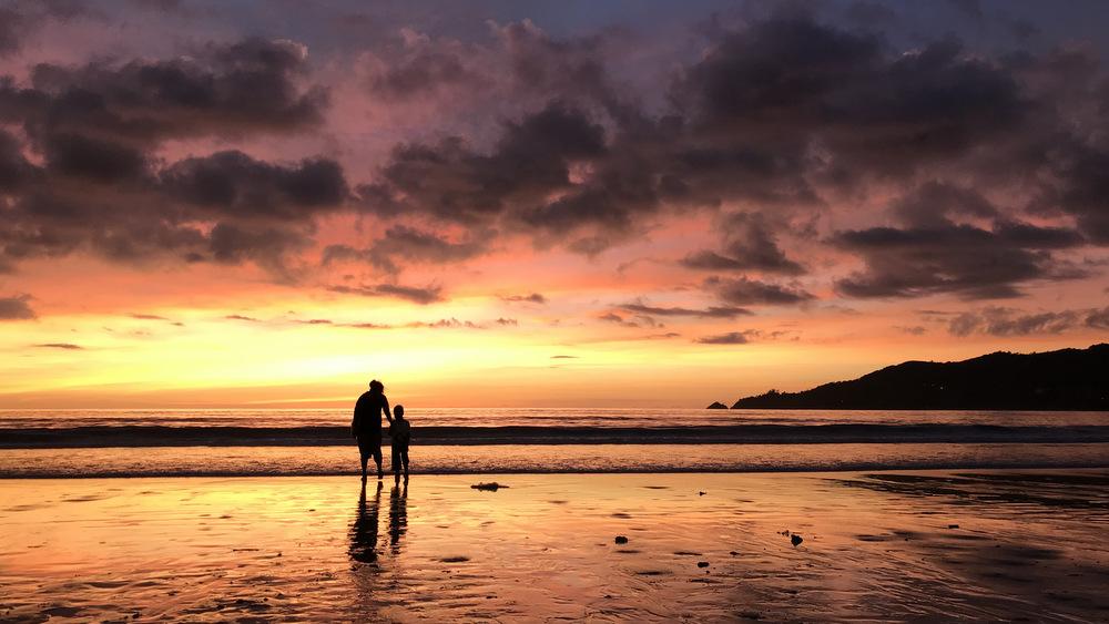 パトンビーチの夕陽