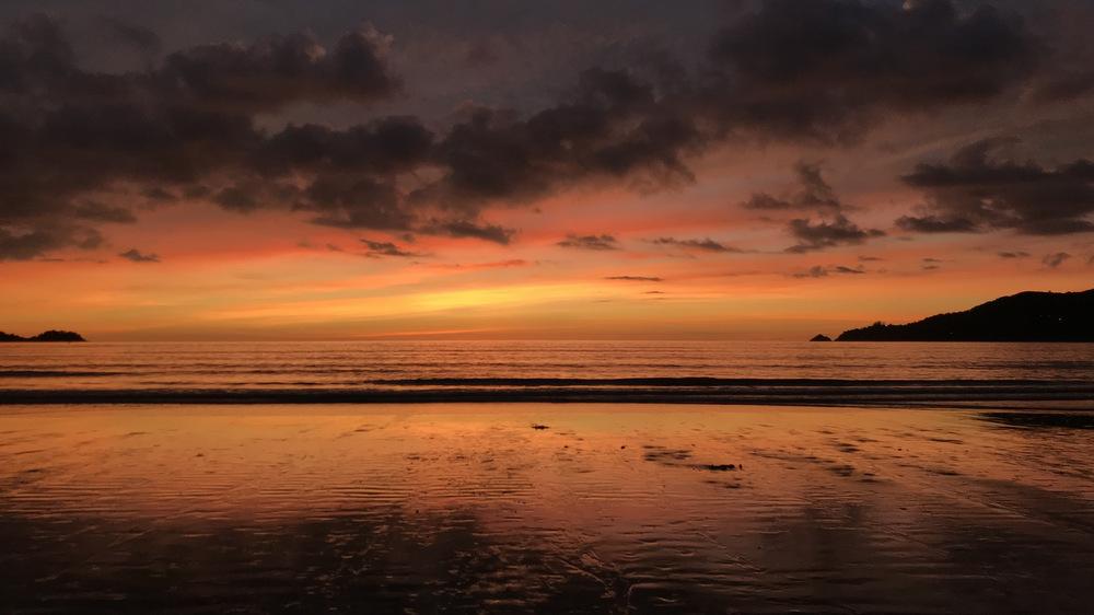 パトンビーチの夕陽2