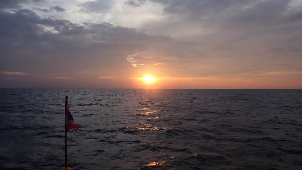 2021/01/02-04 シミランクルーズの夕陽