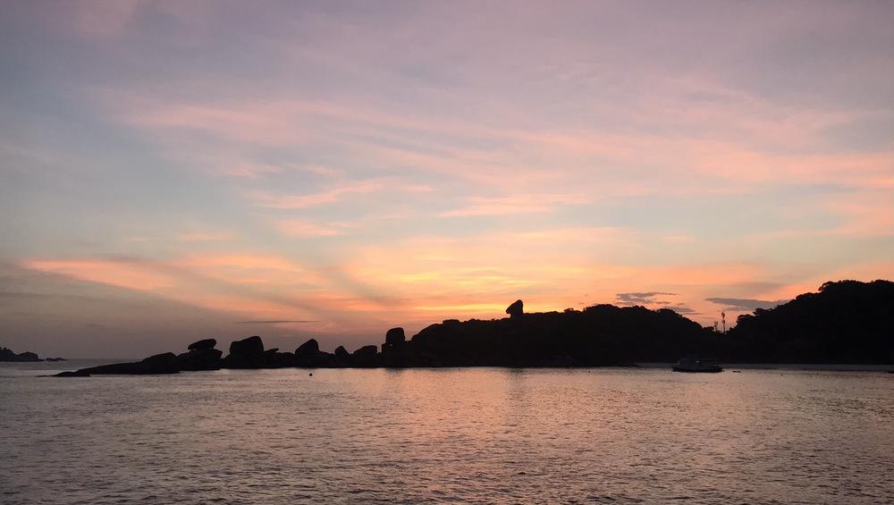 2021/04/12 シミラン諸島8番の日の出
